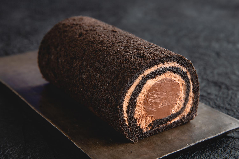 お取り寄せ(楽天) 生チョコレートロールケーキ★ デカダンスドゥショコラ 価格1,479円 (税込)